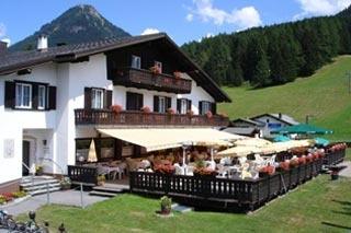 Motorrad Hotel Bünda Davos in Davos Dorf in Ostschweiz