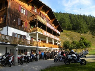 Motorrad Hotel Restaurant Walliser Sonne in Reckingen-Gluringen in Goms