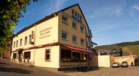 Motorrad Hotel  /Restaurant zur Linde in Reil an der Mosel in Mosel