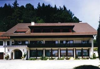 Motorrad Hotel Krone Waldburg in Waldburg in