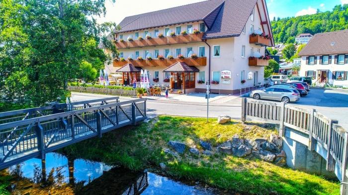 Motorrad Hotel- Restaurant Schwörer in Lenzkirch / Hochschwarzwald in Schwarzwald
