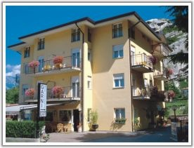 Hotel for Biker BIKEHOTEL GARNI TORESELA in Nago-Torbole in Gardasee