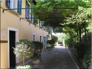 Motorrad Villa Schindler in Manerba del Garda in Gardasee
