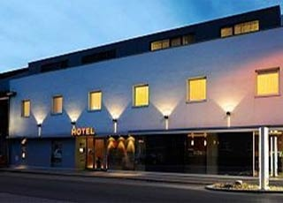 Hotel for Biker Airport Boutiquehotel Hein in Schwechat in Wien