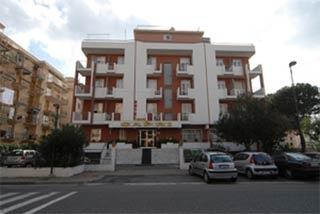 Hotel for Biker Hotel Capri in Pietra Ligure (SV) in Ligurische Küste, Blumen- und Palmenriviera
