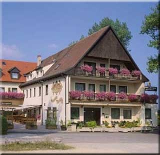 Hotel for Biker Hotel-Gasthof und Metzgerei Zum Bartl in Sulzbach Rosenberg in Oberpfalz
