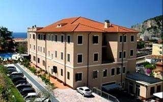 Motorrad Hotel San Giuseppe in Finale Ligure in Finale Ligure