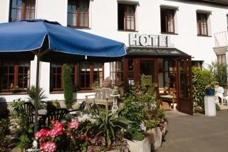 Flughafen Hotel garni Haus Ingeborg liegt nur 2km vom Flughafen Köln/Bonn entfernt.