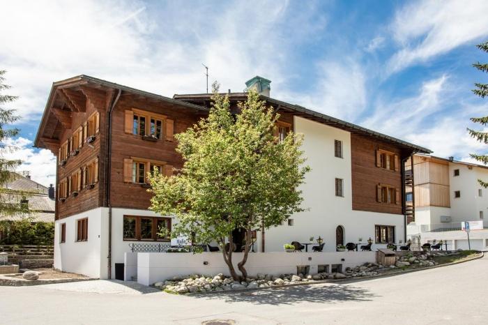 Motorrad Hotel Mulin in Brigels in
