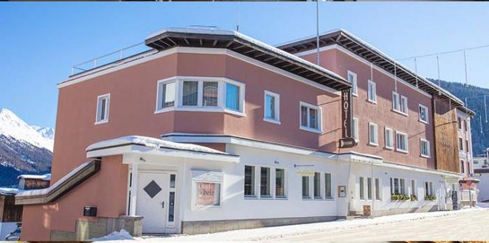 Motorrad Hotel Restaurant Dischma in Davos Dorf in