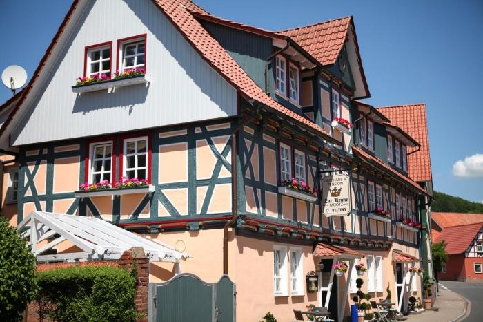 Motorrad Hotel/Pension Zur Krone  in Martinfeld in Eichsfeld