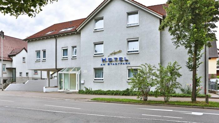 Motorrad Hotel am Stadtpark in Sindelfingen in Schwarzwald