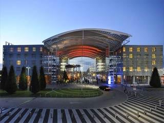 Flughafen Kempinski Hotel Airport München liegt nur 0km vom Flughafen München entfernt.