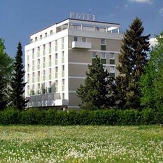 Hotel for Biker Hotel Neusässer Hof in Neusäß in Schwaben