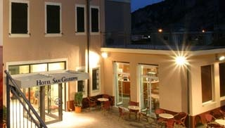 Hotel for Biker Hotel San Giuseppe in Finale Ligure (SV) in Ligurische Küste, Blumen- und Palmenriviera