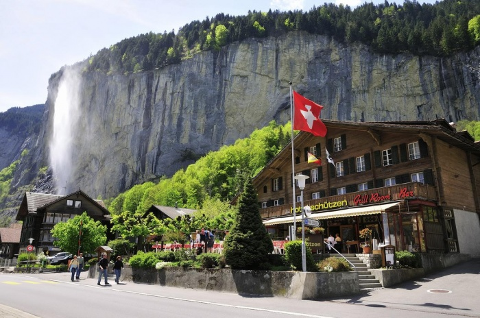 Motorrad Hotel Restaurant Schützen in Lauterbrunnen in