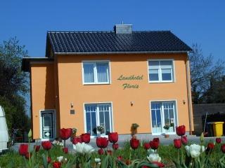 Hotel for Biker Landhotel Floris in Kerpen /Buir in Rheinland / Köln / Bonn