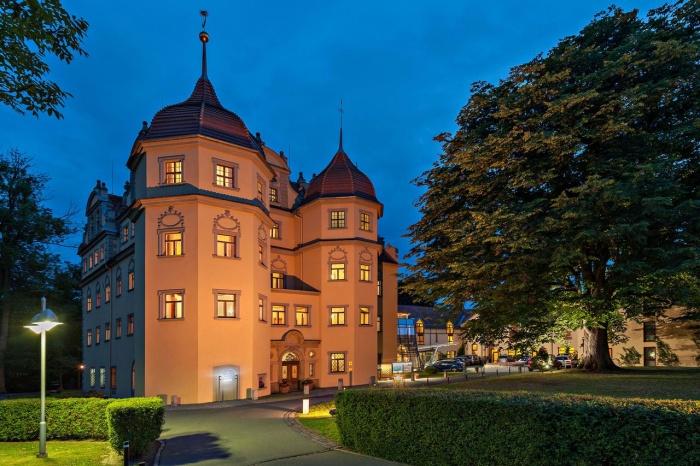 Hotel for Biker Schloßhotel Althörnitz in Bertsdorf-Hörnitz in Oberlausitz/ Zittauer Gebirge