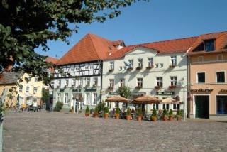 Fahrradfahrerfreundliches Hotel Am Markt & Brauhaus Stadtkrug in Ueckermuende