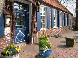Fahrradfahrerfreundliches Landhotel und Gasthof Oltmanns & Schumacher`s Landhaus in Friedeburg