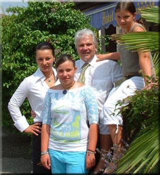 Familienurlaub im familienfreundlichen Hotel Steinmannwald in Leifers Steinmannwald
