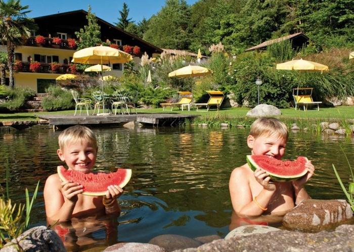 Familienurlaub im familienfreundlichen Alpwellhotel Burggraefler in Tisens bei Meran