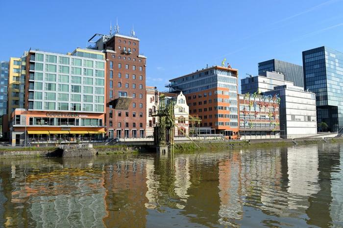 Fahrradfahrerfreundliches Courtyard by Marriott Düsseldorf Hafen in Düsseldorf