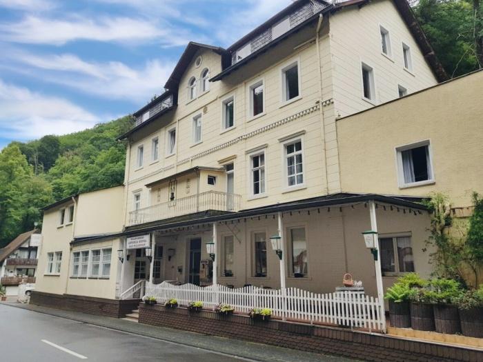 Motorrad Astoria Hotel Bad Wildstein in Bad Wildstein