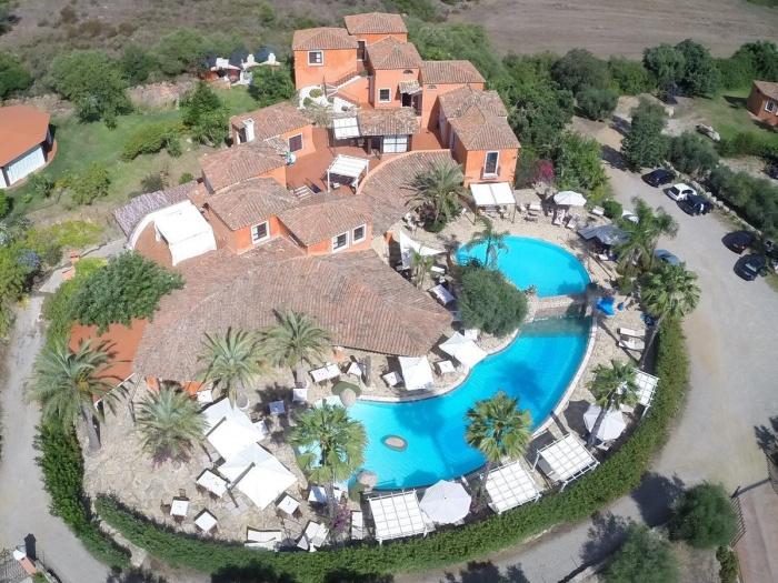 Motorrad Galanias Hotel & Resort in Bari Sardo (OG)