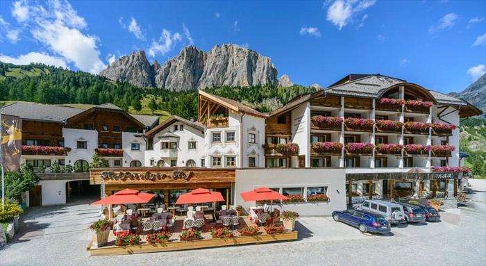 Motorrad Hotel Kolfuschgerhof & SPA in Colfosco