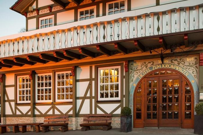 Motorrad Hotel Zum Kronprinzen in Fuhrbach