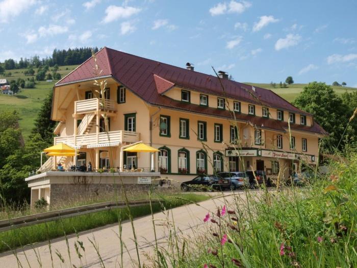 Motorrad Naturparkhotel Grüner Baum in Todtnau-Muggenbrunn
