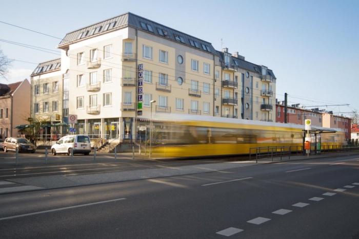 fahrradhotels in der urlaubsregion berlin. Black Bedroom Furniture Sets. Home Design Ideas