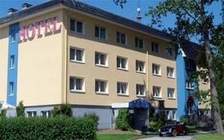 Fahrradfahrerfreundliches Hotel und Caravanplatz Am Tierpark in Güstrow