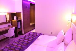 flughafen airport hotel global in m rfelden walldorf nur 8. Black Bedroom Furniture Sets. Home Design Ideas